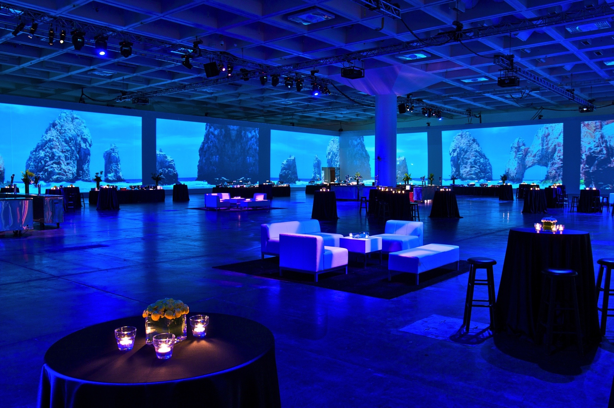 Cisco / George P Johnson Welcome Reception executive production floor to ceiling a/v projections of the world with lounge 3